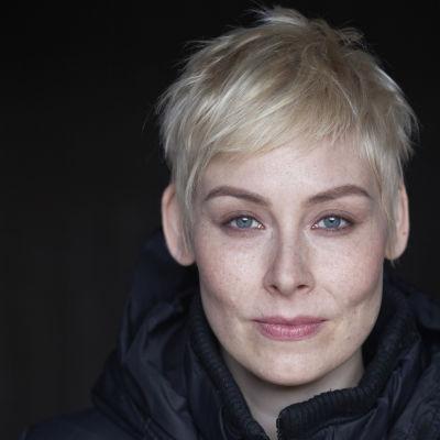 Kirjailija Laura Lindstedt