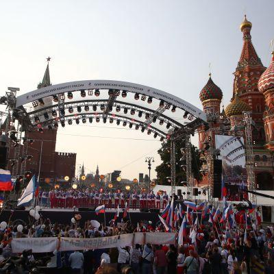 Venäläiset saivat sankarivastaanoton Moskovassa