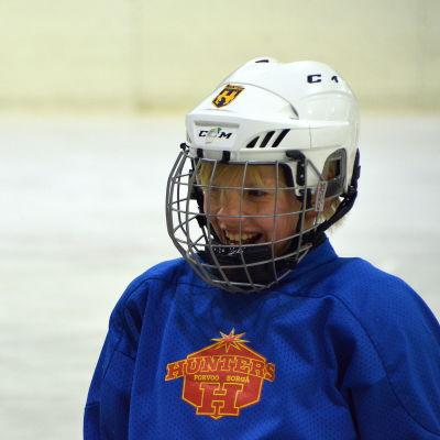 Ishockeyträning i full gång.