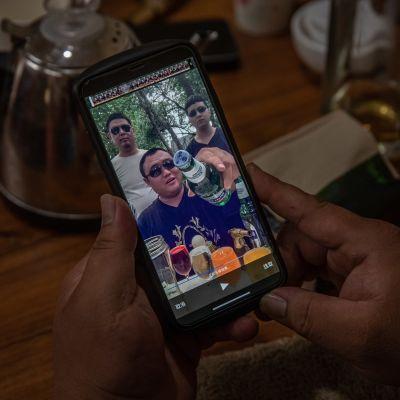Kiinassa Tiktok toimii nimellä Douyin. Liu Shichao esittää sen kautta juomiseen liittyviä videoita.
