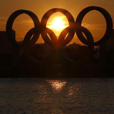 Olympiarenkaat Tokiossa.