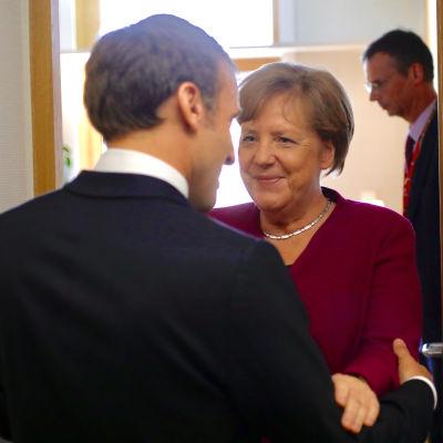 Emmanuel Macron och Angela Merkel.