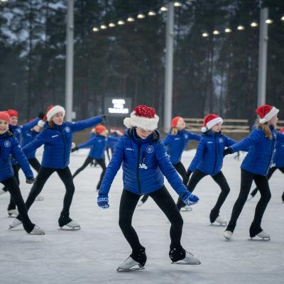 Vivi Koskivirta, Vappu Karvonen, Sofia Kinnarinen, Aino Nissinen ja Linnea Ruskoaho