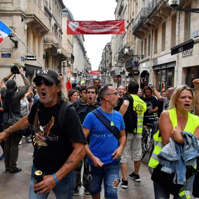 Gula västarnas demonstrationståg i Bordeaux den 21 september.
