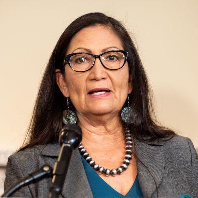 Kongressmedlem och blivande inrikesminister i USA Deb Haaland