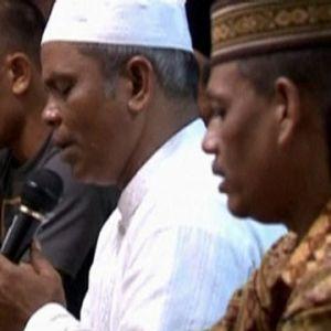 Anhöriga i Indonesien hedrar tsunamioffer
