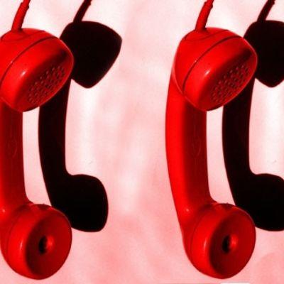 Röda telefonlurar