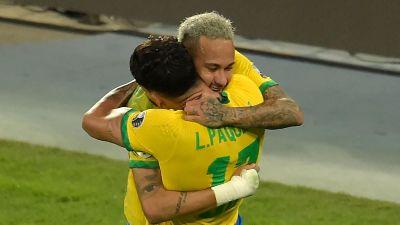 Neymar kramar om Lucas Paqueta.