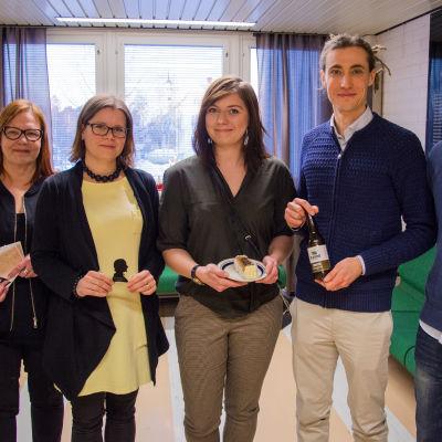 Anci Holm, Laura Holm, Simone Widner, Caj Fors-Klingenberg och Björn Höglund.