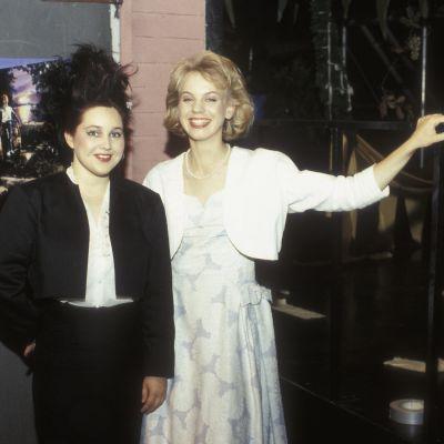 Jane Sarlund ja Baba Lybeck Kari Paljakan ohjaaman tv-elokuvan Baby Love kuvauksissa studiolla 1985.