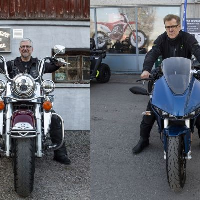Tomi Ahto Harley Davidson -moottoripyöränsä kanssa ja Roger Lohman koeajamansa Zero -moottoripyörän kanssa.