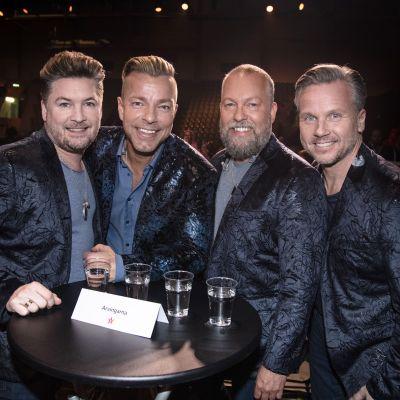 Det svenska dansbandet Arvingarna.