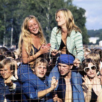 Festivaaliyleisöä Ruisrockissa 1976.