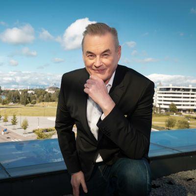 Arto Nyberg, Töölönlahti taustalla