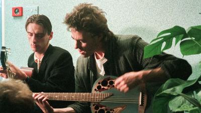 Paul Weller ja Bob Geldof studiossa. Arkistokuva dokumentista.