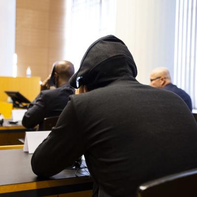 Huumausainerikos oikeudenkäynti Helsingin käräjäoikeudessa.