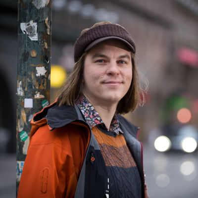 Filosofi, tietokirjailija ja tutkija Frank Martela, Aleksanterinkatu, Hki, 9.11.2017.
