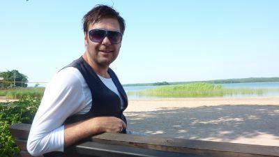 Thomas Lundin trivs som frilansande sångare, eurovisionsexpert, skådespelare och estradör.