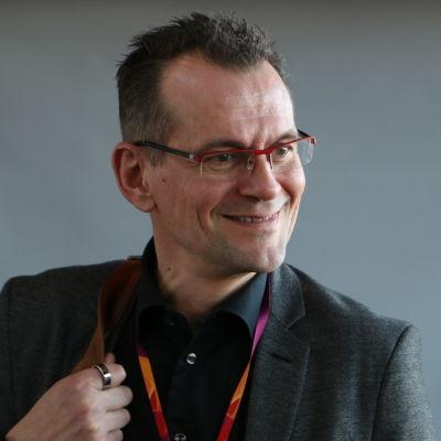 Oulun kaupungin terveysjohtaja Jorma Mäkitalo