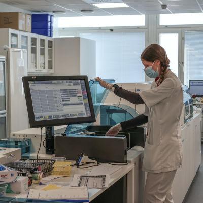 Koronavirusten tutkimista Vita Laboratoriossa