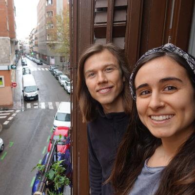 Erik Sjöholm och Tamara Gonzáles Casado stannar kvar i Madrid.