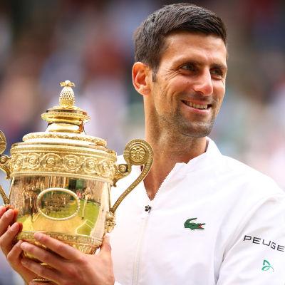 Novak Djokovic voitti kuudennen kerran Wimbledonissa.