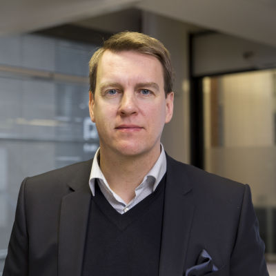 Martin Paasi,talousasiantuntija. Nordnet.