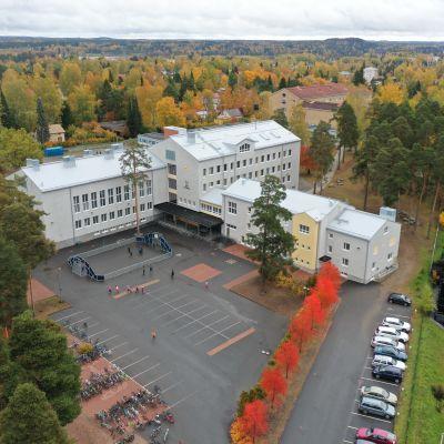 Hämeenlinnan yhteiskoulu Hätilässä.