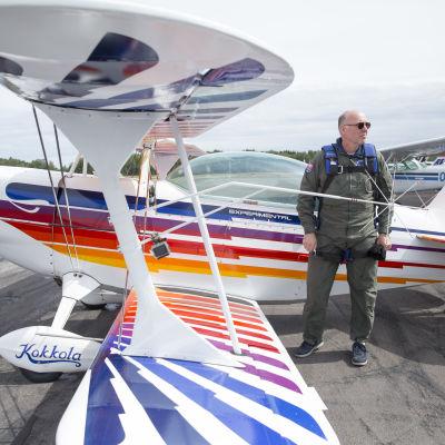Martti Henriksson lentää sekä työkseen että vapaa-ajallakin.