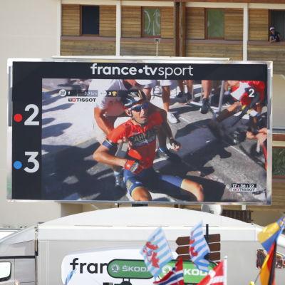 Vincenzo Nibali föll och tvingades avbryta loppet.
