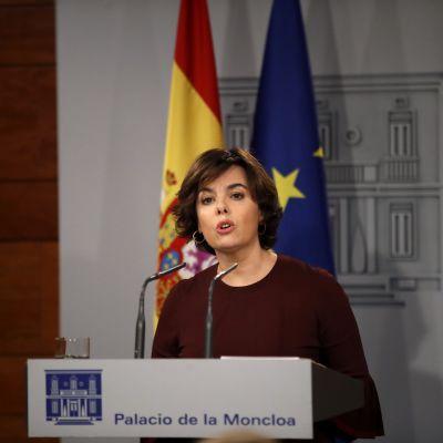 Spaniens biträdande premiärminister Soraya Sáenz de Santamaria höll en presskonferens på tisdag kväll.