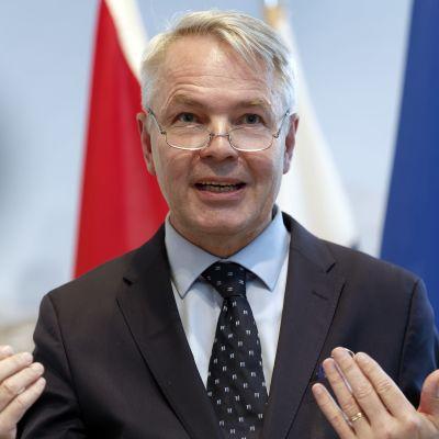 Pekka Haavisto deltar i EU:s utrikesministermöte i Bryssel där man bland annat diskuterar relationerna till Turkiet och Irak