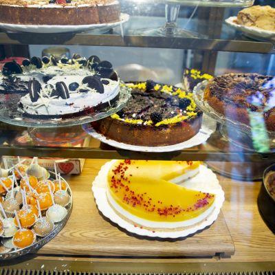 Cafe amore avautuu 1.6.2020 . Helsingissä.