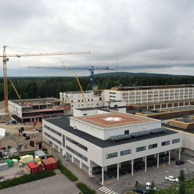 Päijät-Hämeen keskussairaalan laajennusosan rakennustyömaa elokuussa 2020.