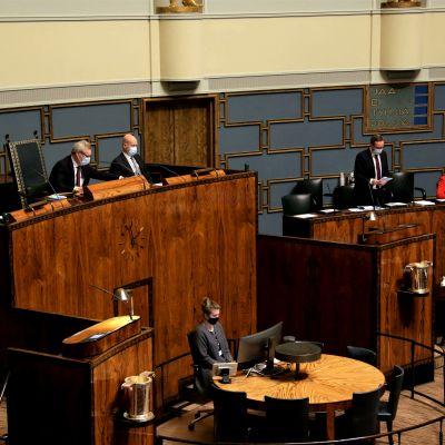 Antti Rinne viimeistä kertaa Eduskunnan puhemiehenä ennen siirtymistään Perustuslakivaliokunnan puheenjohtajaksi.