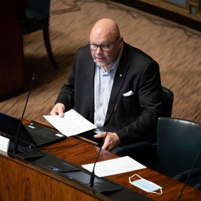 Kansanedustaja Ano Turtiainen eduskunnassa 24.2.2021