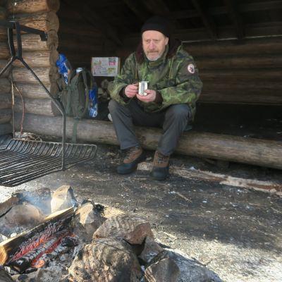 Markku Karvonen Syrjänalusen laavulla