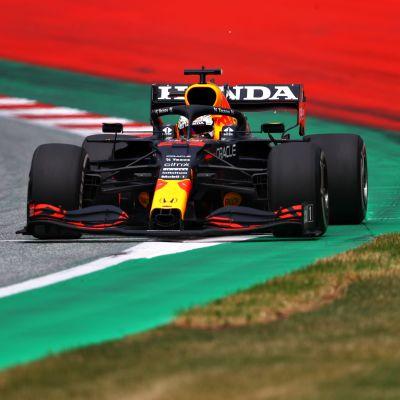 Max Verstappen oli omaa luokkaansa Itävallan GP:n harjoituksissa.