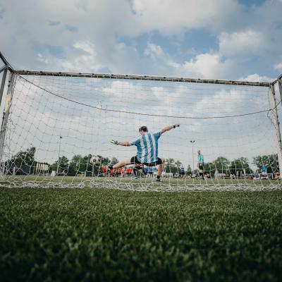 en målvakt på fotbollsplan