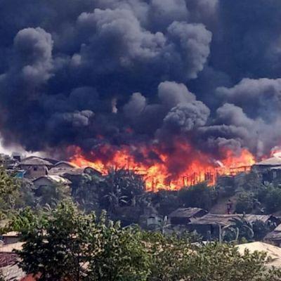 Balukhalin pakolaisleirin tulipalo Bangladeshissa