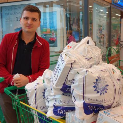 Timur Tkachev är shoppingturist i Villmanstrand.