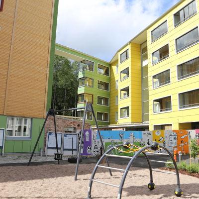 Färgglada fasader på bostadsmässan i Kivistö