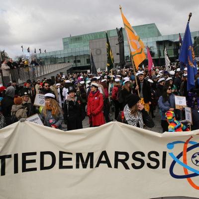 Vetenskapsmarsch i Helsingfors 22 april 2017.
