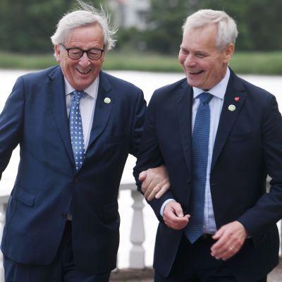Antti Rinne och Jean-Claude Juncker på Villa Bjälbo den 4 juli 2019.