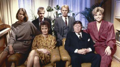 Gruppbild av familjen Bergström i tv-serien, 1988