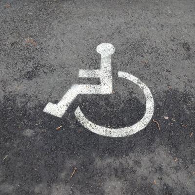 parkeringsplats för rörelsehindrade