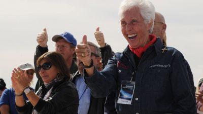 Wally Funk firar sin kommande rymdresa