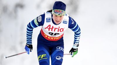 Krista Pärmäkoski åker.