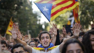 Studerande demonstrerar i Barcelona 17.10.2019.