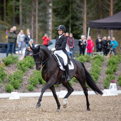 Anna von Wendt och hästen Sir Fashion